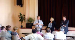 Rencontre avec les élus locaux en présence du député Michel LEJEUNE, du conseiller général Patrick CHAUVET et de Catherine MORIN-DESAILLY