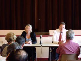 Discussion avec les élus locaux menée par Patrick CHAUVET et Catherine MORIN-DESAILLY